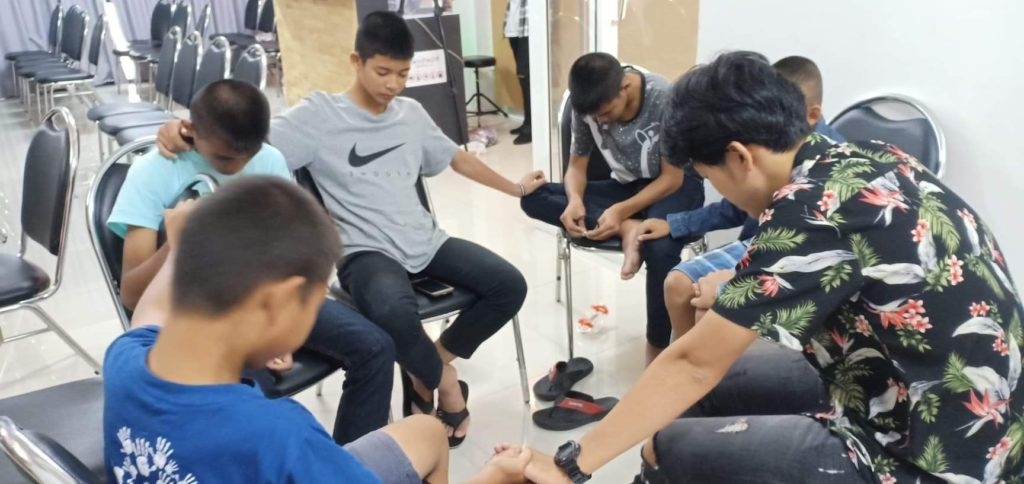ways to growing a church youth group